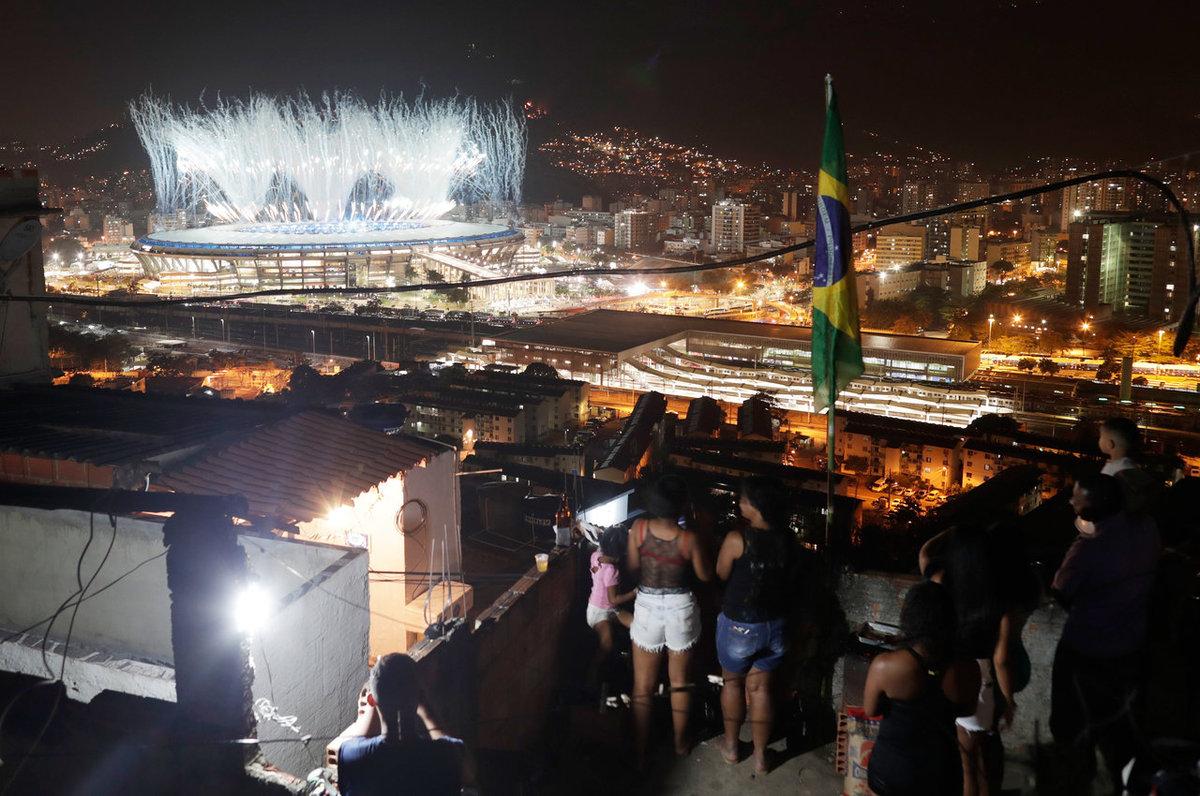 Esta foto mostra o forte contraste do Rio nos Jogos Ol�mpicos